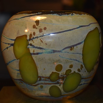 Blown Glass Vase signed 'Beckett 82' - Art Glass