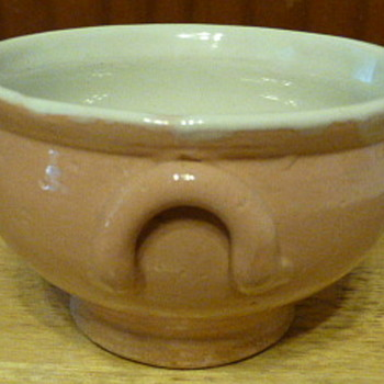 Plain Jane Henriot Quimper pottery 1928-65 - Pottery