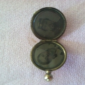 Civil war locket - Military and Wartime