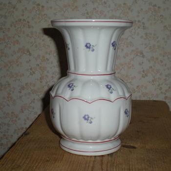 Bulgarian porcelain vase. - Art Deco