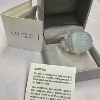 Beautiful Lalique Opal Crystal Serpent Dome Ring. - Art Glass