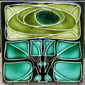 Henry Richards Co. Ltd. Art Nouveau Tile in Mackintosh Style - Art Nouveau