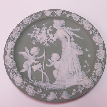 Schafer Vater Wall Plaques - China and Dinnerware