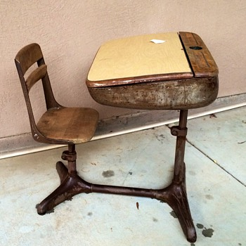 American seating desk  - Furniture