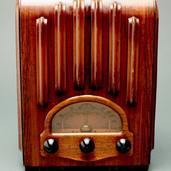"Emerson Model AU213 ""Ingraham Cabinet"" Tube Radio"