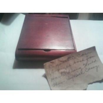 Unknown cigarette case - Tobacciana
