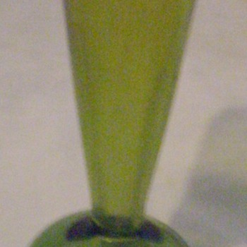 A few random pieces of art glass. - Art Glass