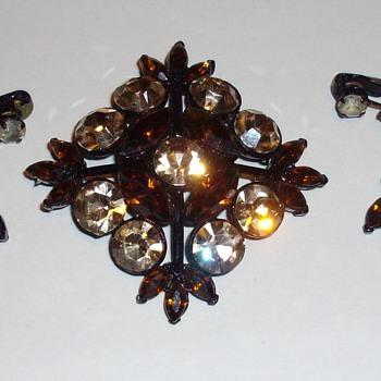 Weiss Amber rhinestone set. - Costume Jewelry