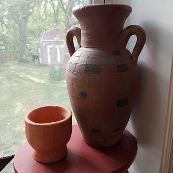 pretty pot - Pottery