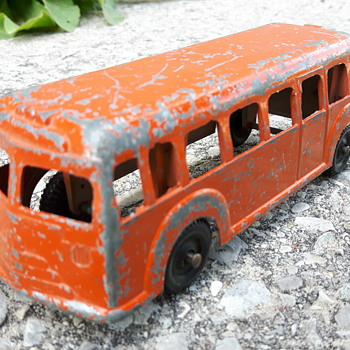 London Toys Canada Large Scale Bus - Model Cars