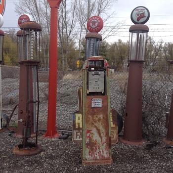 More Gas Pumps - Petroliana