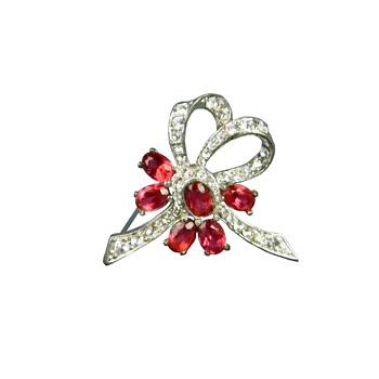 Rhinestone and Rhodium Bow Brooch - Boucher? - Costume Jewelry