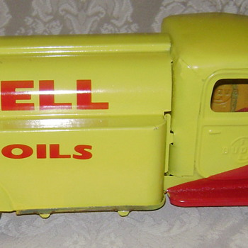 Shell oil truck made by Buddy L - Model Cars