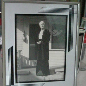 Art Deco Style Picture Frame - Photographs