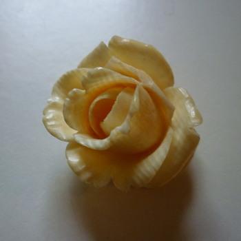 White rose brooch - Costume Jewelry