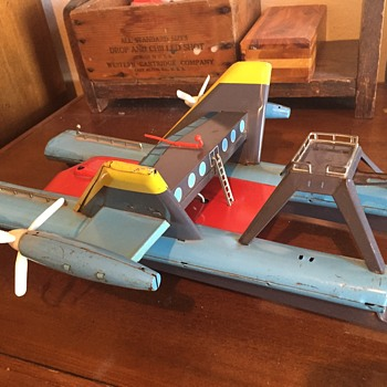 Vintage metal toy made in Japan - never seen one and don't know what it is?  Boat? Plane, Spaceship? - Toys