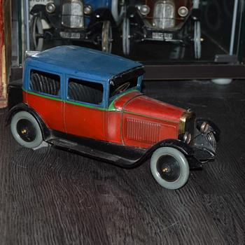 CIJ Citroen berline C4 1-15 toy - Model Cars