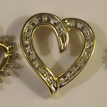 Gold Diamonds & hearts A Nice Trio From The 1960's - Fine Jewelry