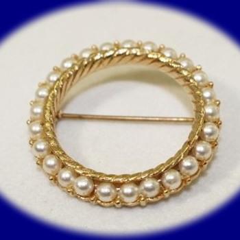 Vintage Pearl Brooch Gold Tone Pearl Pin Brooch Crown Trifari  Vintage Jewelry