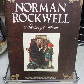 NORMAN ROCKWELL BOOK - Books
