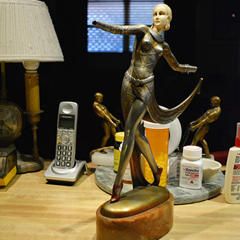 1923 Josef LoRenzl Walking Lady figurine