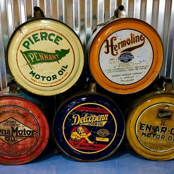 Oil rocker cans  - Petroliana