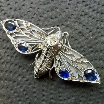 Big 935 sterling moth brooch marked W B - Fine Jewelry