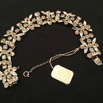 SHERMAN BRACELET - Costume Jewelry