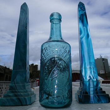 TURQUOISE J KERSHAW & SONS GATESHEAD GLASS GINGER BEER