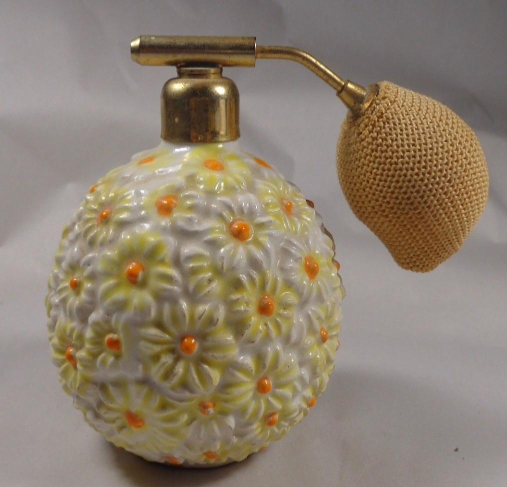 Daisy flower perfume atomizer vanity set italy 1960s collectors weekly izmirmasajfo
