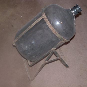 ARROWHEAD PURITAS  WATERBOTTLE AND FRAME - Bottles