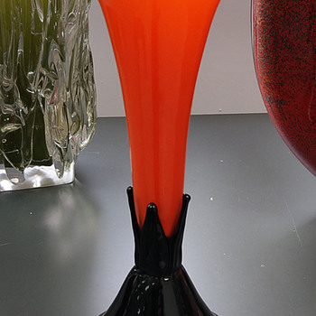 Missing vase designed by Michael Powolny for the Werkbund Exhibition of 1914 showed up. - Art Glass