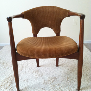 Mid-Century Modern Chair - Furniture