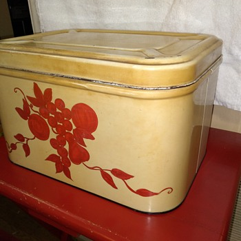 tin breadbox to go with the canisters! :-) - Kitchen