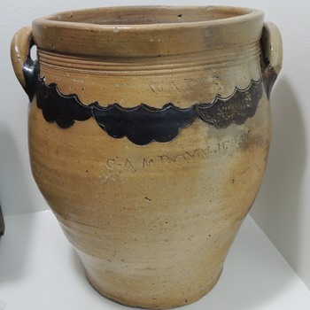 Stoneware Crock - THOMAS WARNE - Cheesequake, NJ (c. 1800) - Pottery
