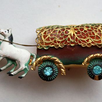 Interesting horse carriage pin - Costume Jewelry