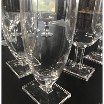 mid-cent modern style glassware? - Glassware