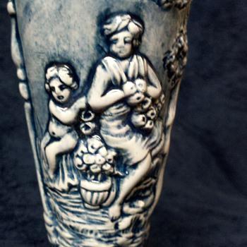 Capo Di Monte ewer with cherubs in Garden of Eden - Pottery