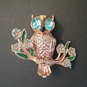 Coro Owlet brooch  - Animals
