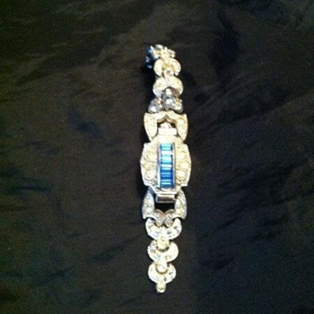 Old Swiss 17 Jewel womens watch