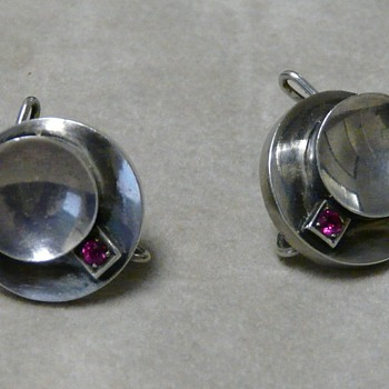 "Circa 50s sterling silver and ruby earrings with unusual ""clip"" - Fine Jewelry"