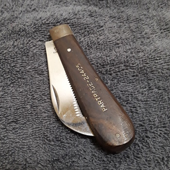 unusual PARTRADE folding knife with serrated blade, for horse grooming (?) - Tools and Hardware