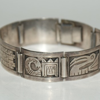Vintage Sterling Bracelet from Peru  - Fine Jewelry