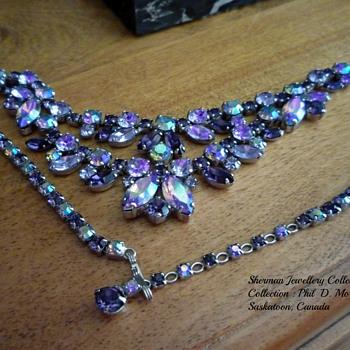 SIGNED SHERMAN PURPLE & ALEXANDRITE NECKLACE - Costume Jewelry