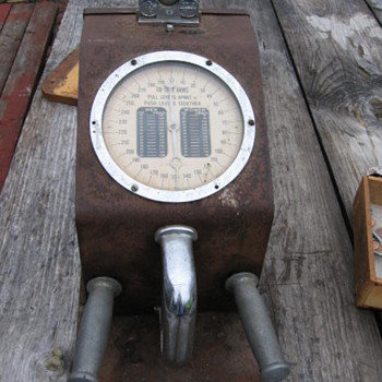 Antique Coin Operated Penny Gottlieb Chicago Strength Tester - Coin Operated