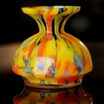 An Unusual and Infrequently Seen Shape -  A Bright Spatter in Unlined Clear. - Art Glass