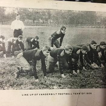 Vanderbilt team line up 1906 - Postcards