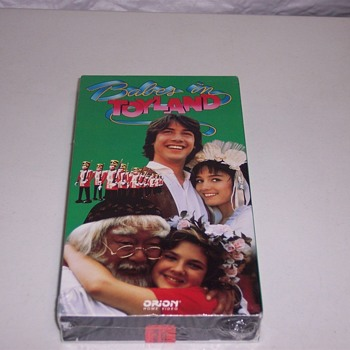 VHS KEANU REEVES, DREW BARRYMORE, BABES IN TOYLAND, 1984 - Movies