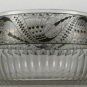 Steinschönau (Kamenicky Senov) Enameled Glass Bowl, ca. 1915 - Art Glass