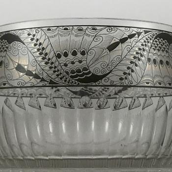 Steinschönau (Kamenicky Senov) Enameled Glass Bowl, ca. 1915 - Art Glass
